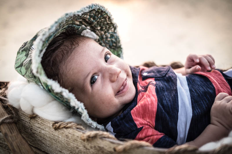 by-jmill-photography-newborn-canoe-23