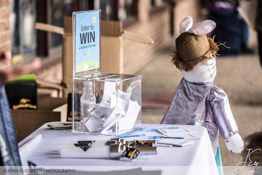 Giveaways at Tackett's Mill Spring Fling Woodbridge VA Event - Photography